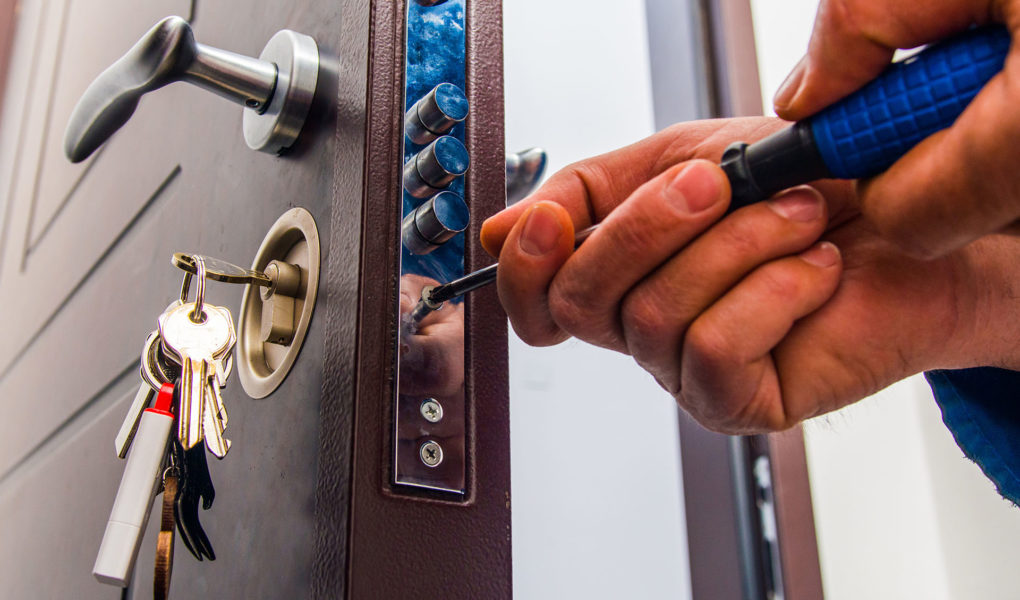 Top 3 Advantages of Having an Emergency Locksmith professional